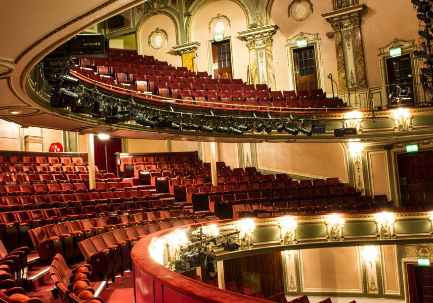 Uk London Her Majesty S Theatre Theatrecrafts Com