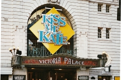 KissMeKate_Easter2002