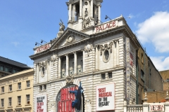 Victoria_Palace_Theatre_London_2011_1