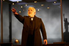 1._simon_russell_beale_in_the_lehman_trilogy_at_the_national_theatre._photo_by_mark_douet