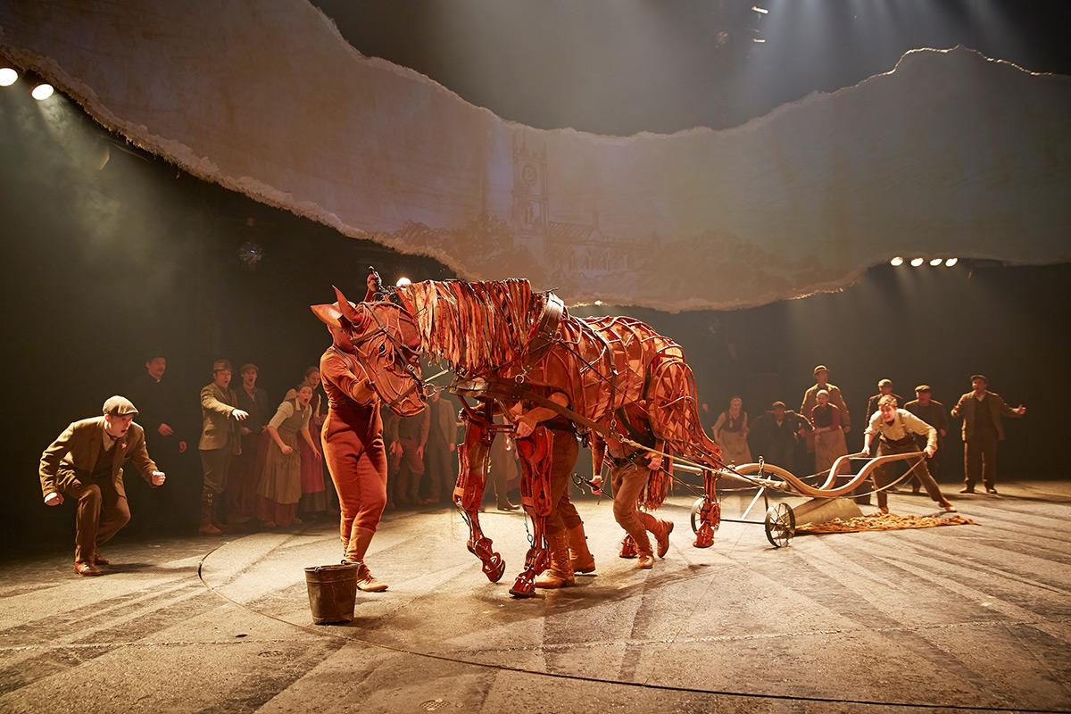 03 & War Horse u2013 Theatrecrafts.com