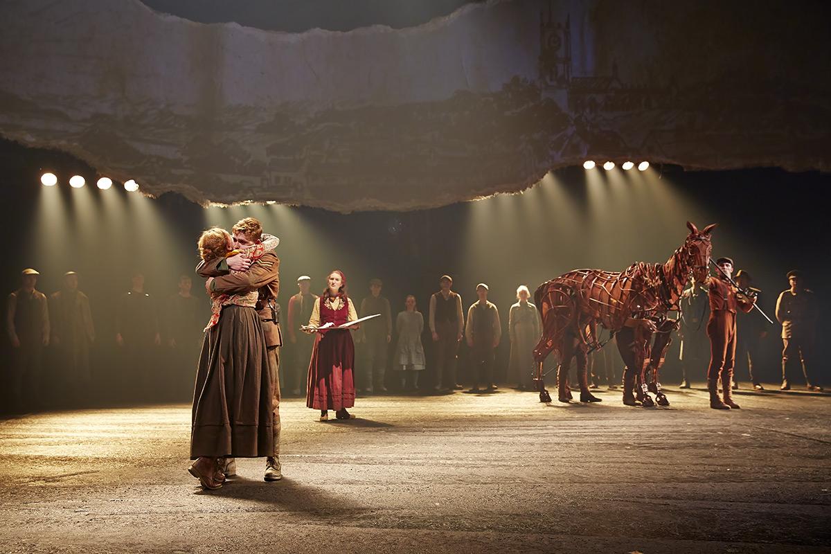 12-2 & War Horse u2013 Theatrecrafts.com