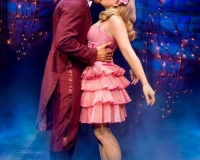 Oliver-Savile-(Fiyero)-&-Suzie-Mathers-(Glinda)_Photo-by-Matt-Crockett_5358_RT_sm