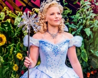 Suzie-Mathers-(Glinda)_Photo-By-Matt-Crockett_5567_RT_sm