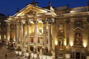 19-theatre-royal-panorama-night