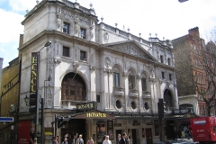 Wyndhams_Theatre_London_2006-04-17